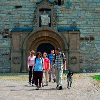 Eingangportal der Pfarrkirche Paderborn-Neuenbeken