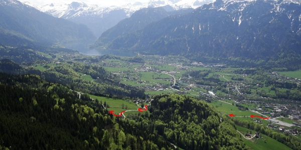 Die Zufahrt zum Berghof vom Kreisverkehr in Bad Goisern
