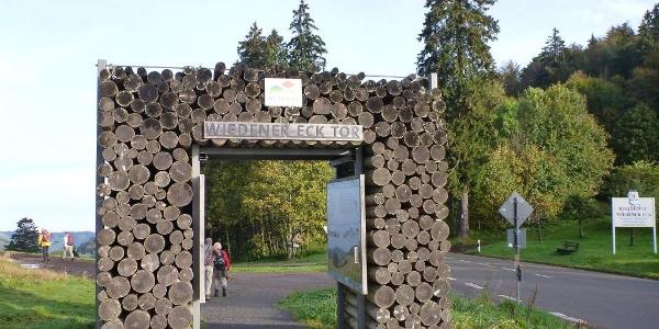 Westweg Portal Wiedener Eck