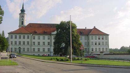 Im Kloster in Schäftlarn ist ein Gymnasium untergebracht.