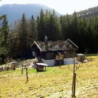 Die Rabenmoos-Diensthütte.