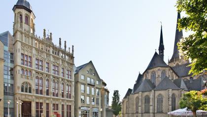 Großer Markt mit Willibrordi-Dom und Historischer Rathausfassade