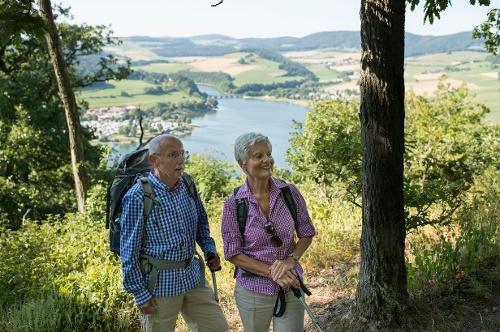 Fährschiff-Höhen-Wandern am Diemelsee