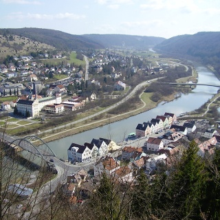 Riedenburg und der Main-Donau-Kanal.