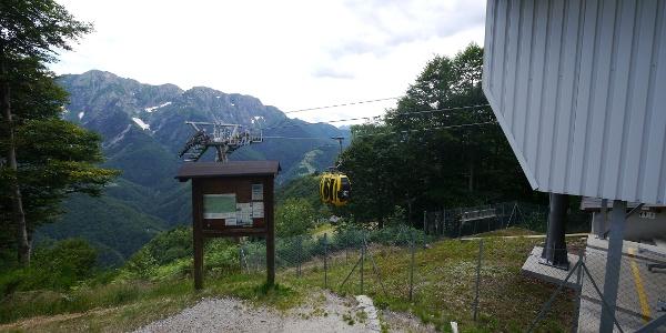 Bergstation der Seilbahn Verdasio - Monte Comino