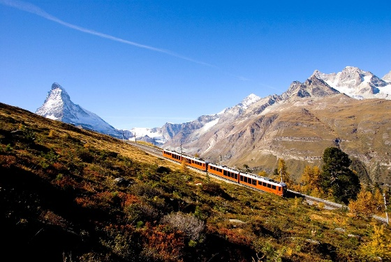 Autumnally atmosphere along the Gornergrat Bahn ligne and along the trail