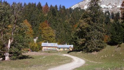 Die Schwarzenberghütte.