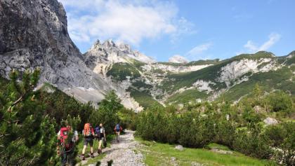 Kurz hinter der Reintalangerhütte: Ein einmaliges Bergpanorama auf dem Weg zur Knorrhütte