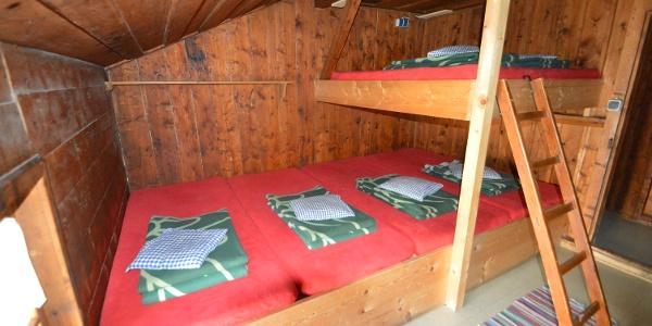 Ein gemütliches Domizil für die ganze Familie - Zimmerlager der Knorrhütte
