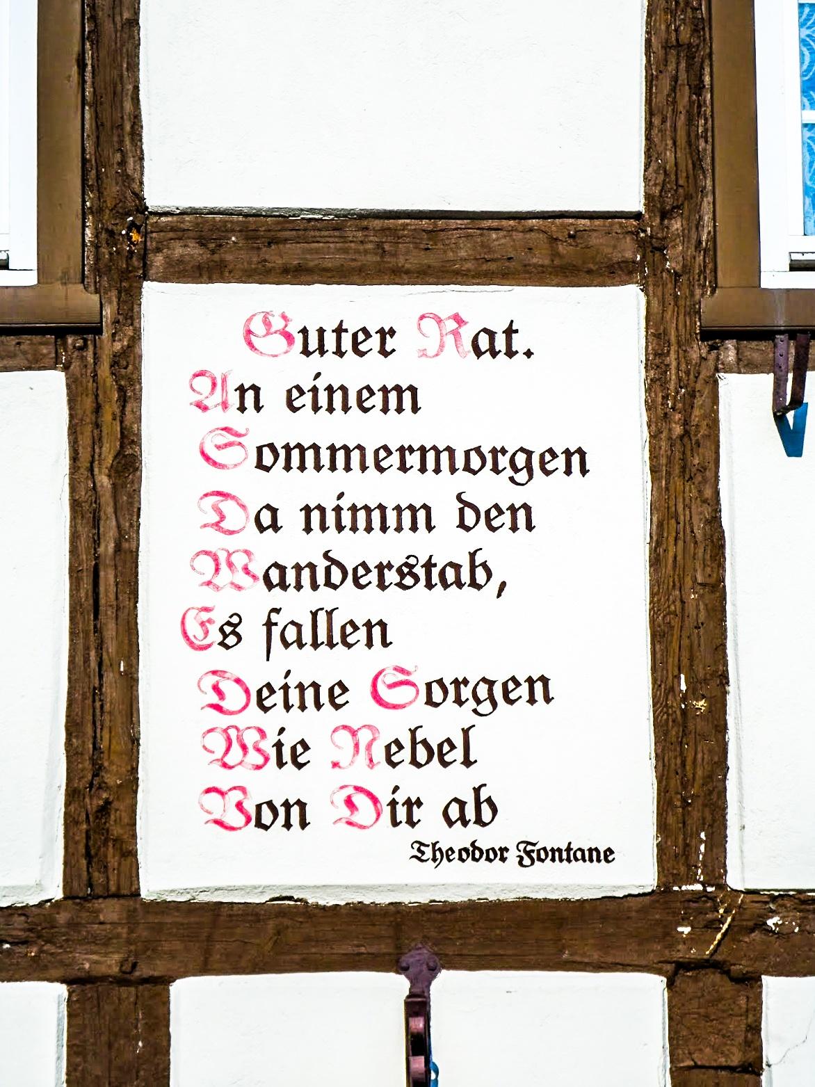 Spruch am Fontanehaus Neuglobsow