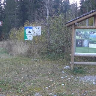 Bildtafel und Schild am Beginn der Tour