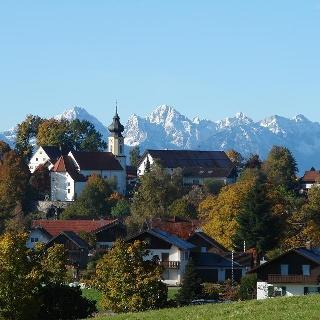 Wildsteig mit Panoramablick auf die Alpenkette