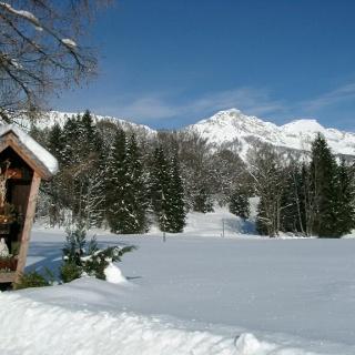 Feldkreuz mit Lattenberg