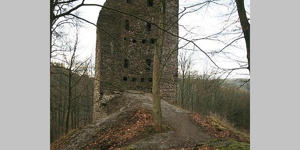 Ruine des großen Turmes der Burg Waldenburg