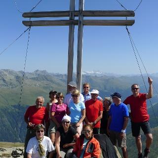 Am Gipfelkreuz des Deferegger Pfannhorns