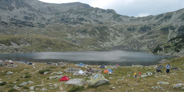 Tents near Bucura lake