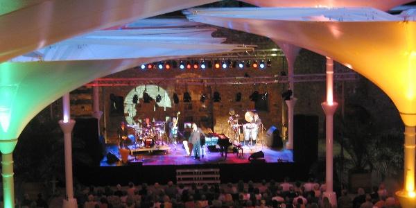 Im Sommer: Konzerte im Schlosshof von Schloss Bad Pyrmont