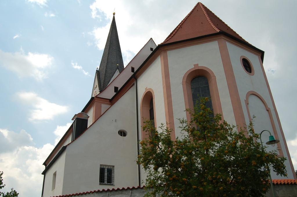 Die Kirche von Burggen. ()