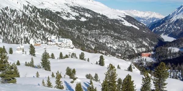 Die Zufallhütte im Winter.