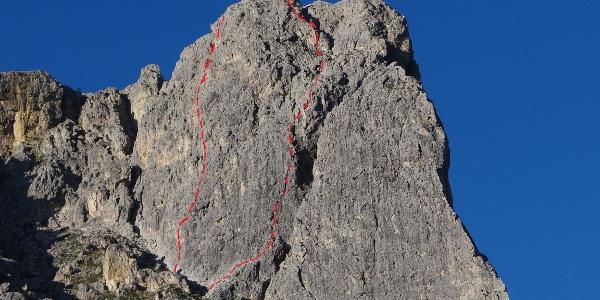 Routenverlauf Westwand (links) und SW-Kante