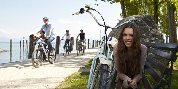 mädchen mit Fahrrad Immenstaad