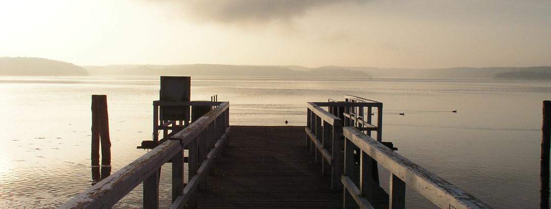 An der Seebrücke von Seelust ist es in der Morgendämmerung wunderschön.