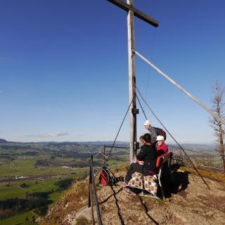 Auf dem Gipfel des Falkenstein, dem höchsten Punkt des Rottachbergs