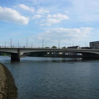 Die Wilhelms-Kaisen-Brücke in Bremen