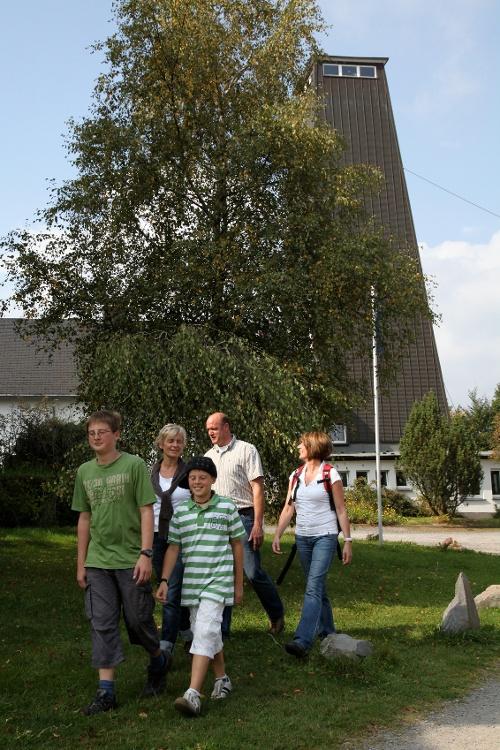 """""""Grenzgeschichten hautnah"""" - Vom Rhein-Weser-Turm ins Schwarzbachtal"""