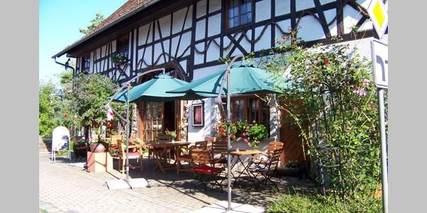 Das Café zum Puppenhaus in Kippenhausen.