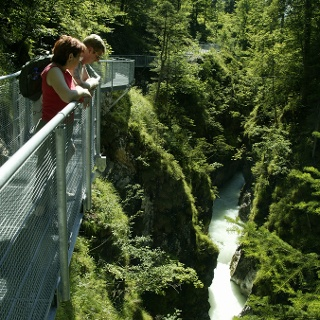 Schöne Aussichten von der Brücke