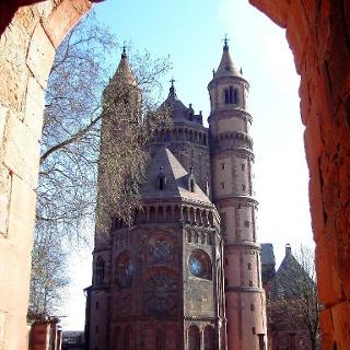 Der hohe Dom zu Worms.
