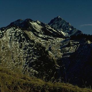 Der Hüttenkopf kann nur auf einer weglosen Route erreicht werden und erfordert Bergerfahrung.
