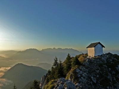 Brünnstein mit Kapelle
