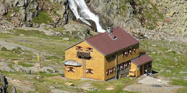 Elberfelder Hütte mit Gößnitzbach