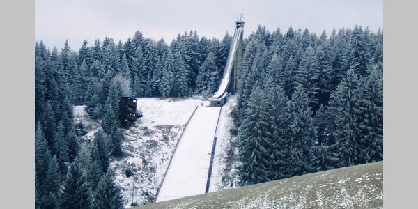 Die Sprungschanze in Schönwald lohnt einen Abstecher.