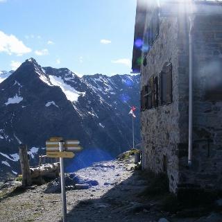 Die Braunschweiger Hütte befindet sich in hochalpiner Umgebung.