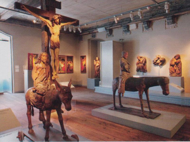 """In der Abteilung """"Mittelalterliche Frömmigkeit"""" geben herausragende Bildwerke und Altargerät aus der Region Einblick in die unterschiedlichen Formen der vorreformatorischen Frömmigkeit.   - © Quelle: HFM"""