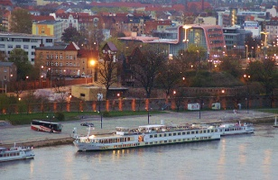 Foto Schifffahrt auf der Elbe in Magdeburg