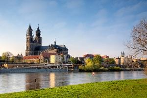 Foto Der Dom mit Elbtreppen in Magdeburg