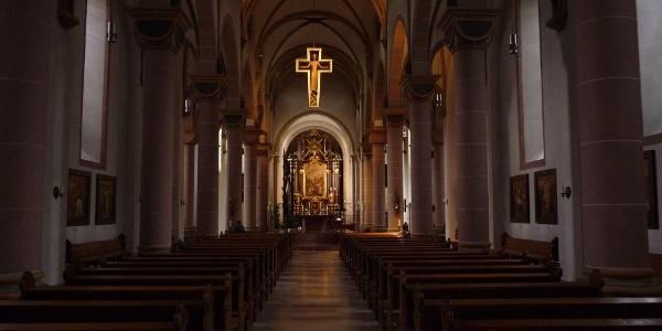 Das Hauptschiff der Nicolai-Kirche