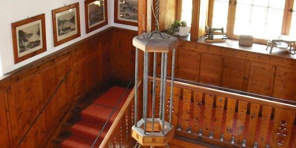 Blick aus der ersten Etage im Foyer der Berliner Hütte