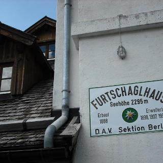 Eingang zum Furtschaglhaus
