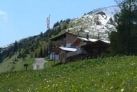 Die Bernhardseckhütte im Sommer.
