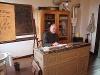 In zwei von Roland Jakel originalgetreu ausgestatteten Klassenzimmern aus der Zeit von 1930 - 1950 erzählt er zudem gerne über das Schulleben der damaligen Zeit.   - © Quelle: Gemeinde Wallhausen