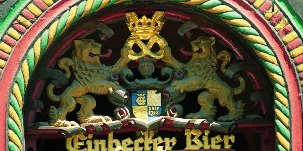 Reich verzierter Eingang des Brodhauses