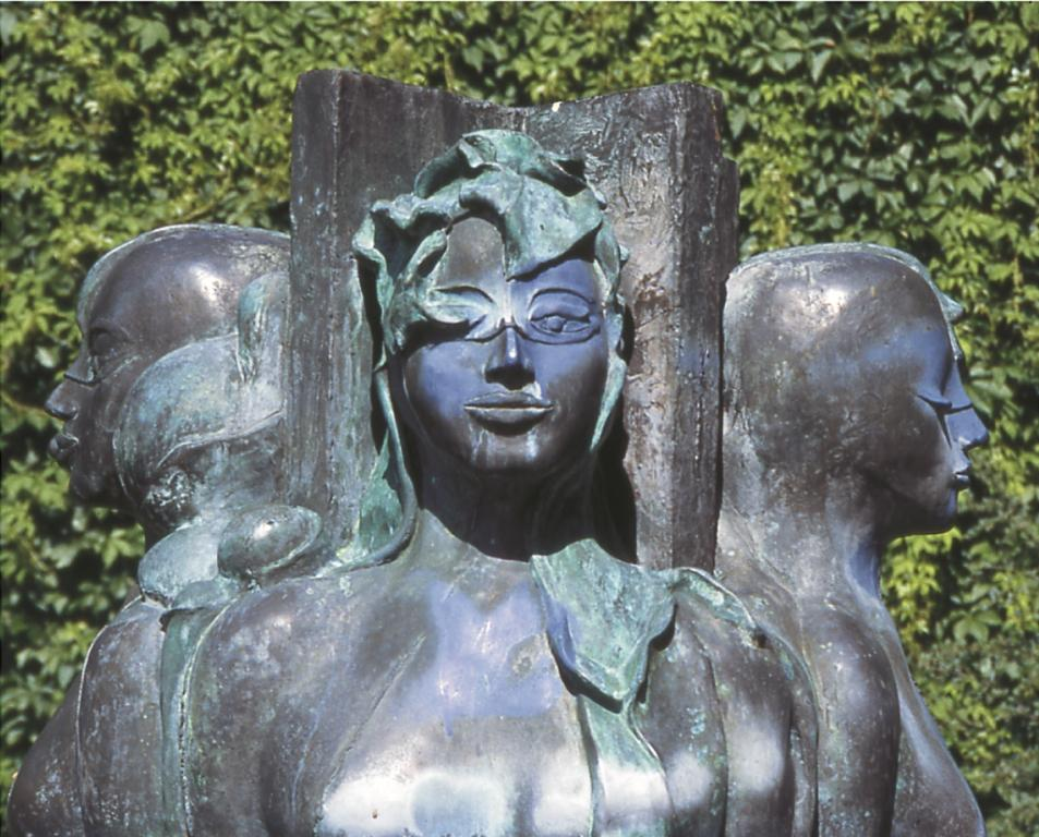 """""""Vier Jahreszeiten"""" von Ursula Stock, in der Hirschkopfstraße"""