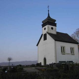 Die Andreaskapelle von Kleinvach ist unser Ziel.