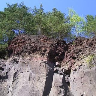 Diese Basatsäulen wurden einst von einem Lavastrom überdeckt.