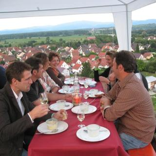 Suppe mit Aussicht über Wasenweiler